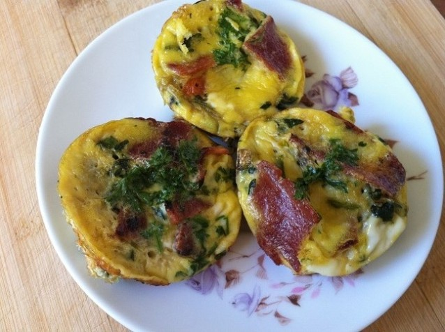 Mini Frittatas with Bacon, Spinach and Mushrooms | Cooking with a Wallflower