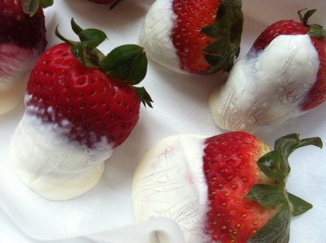Frozen Honey Greek Yogurt Dipped Strawberries | Cooking with a Wallflower