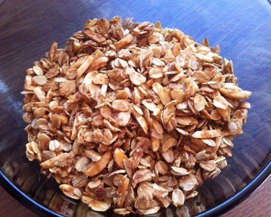 Crunchy Honey Almond Granola   Cooking with a Wallflower