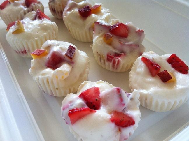 Mini Frozen Strawberry Peach Yogurt Cups | Cooking with a Wallflower