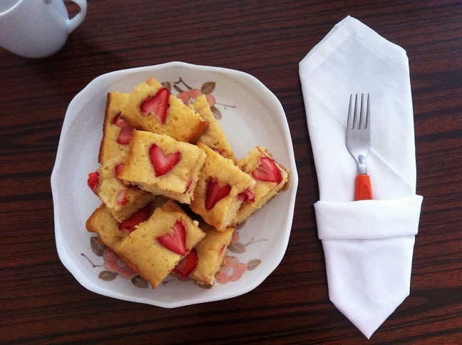 Strawberry White Chocolate Blondie | Cooking with a Wallflower
