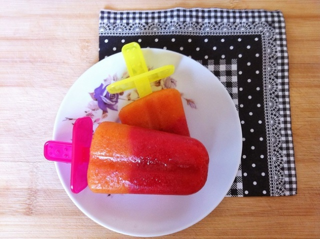 Strawberry Peach Popsicles | Cooking with a Wallflower