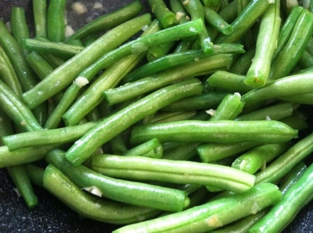String Beans and Garlic